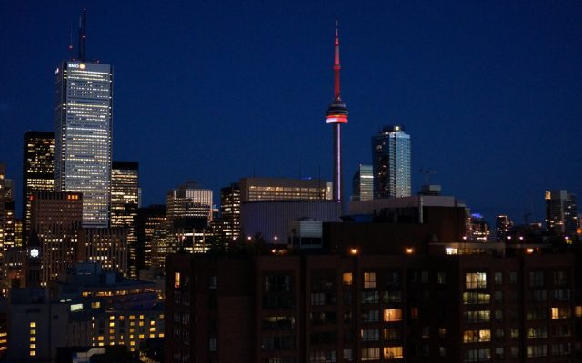 Canada-Night-skyline-in-Toronto