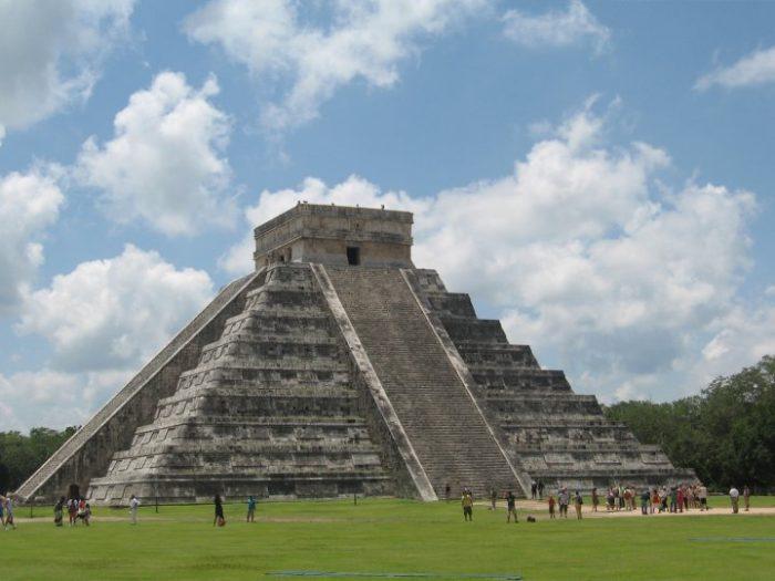 Chichen-Itza-Yukatan-Mexico