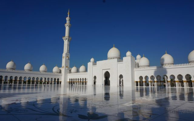 Grand-mosque-in-abu-dhabi-uae