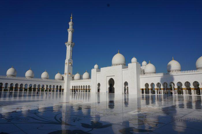 Grand-mosque-in-abu-dhabi-uae
