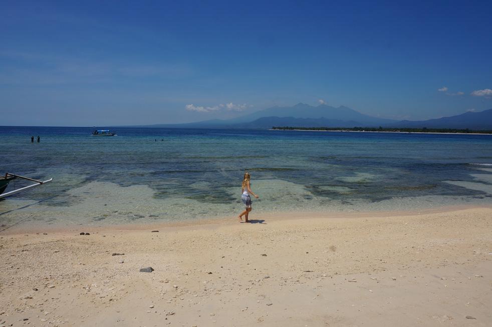 gili-meno-beach