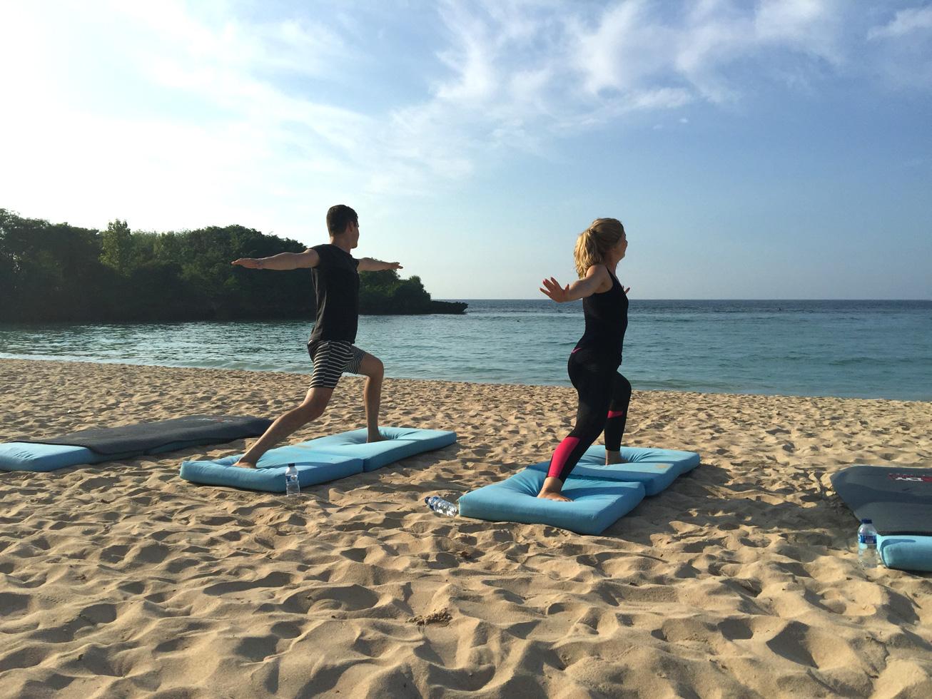 yoga-bali-beach