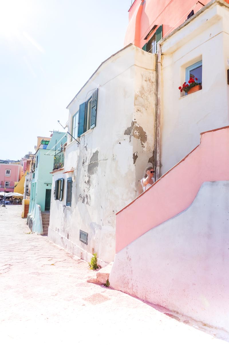 procida-italy-pinkwlig